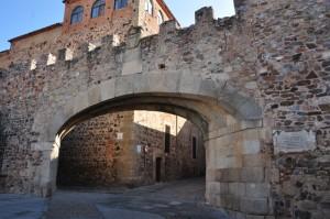 Arco_de_la_Estrella,_Cáceres