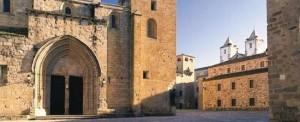 r_iglesia_concatedral_santa_maria_caceres_t1000065.jpg_369272544